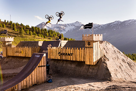 NineKnights-MTB-2014---DAY-6--action-peter-henke,-tobi-wrobel---David-Malacrida----LR-2