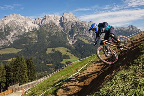 Saalfelden_Leogang_Biketember_iXS-European-Downhill-Cup_by_Thomas-Dietze